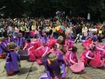 apresiasi-wisudawan-mahasiswa-itb-gelar-parade-bertema-perfilman-indonesia