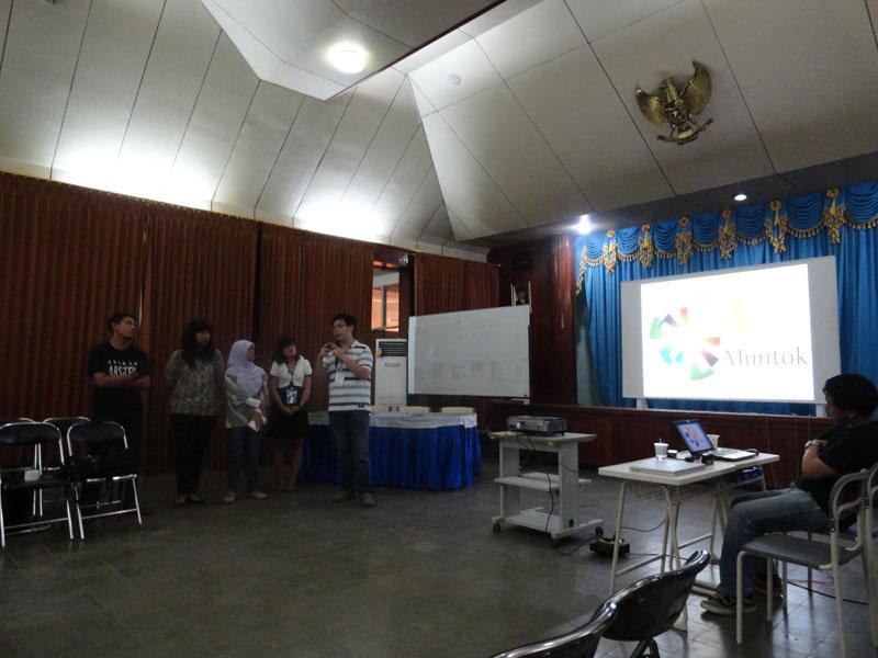 Lima Mahasiswa Arsitektur ITB Ikuti International Tin Mining City Design Workshop -